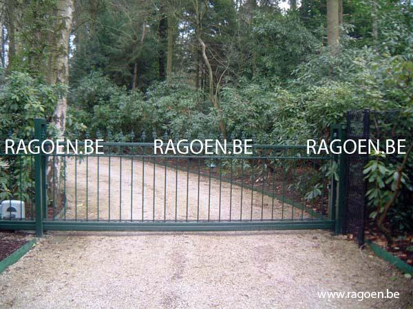 Ragoen portails portails en fer forg for Portail de jardin fer forge